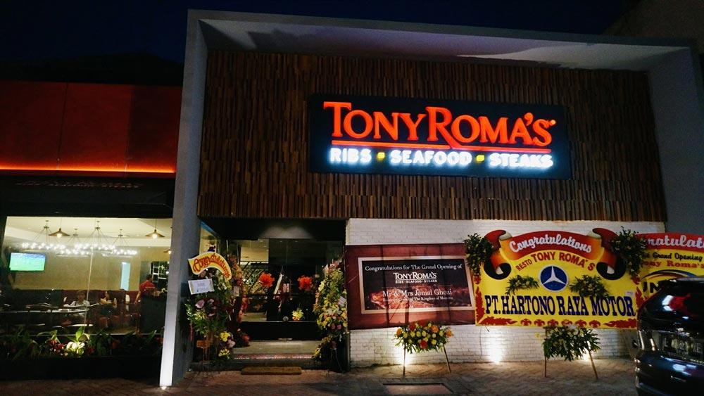 8. Tony Roma's